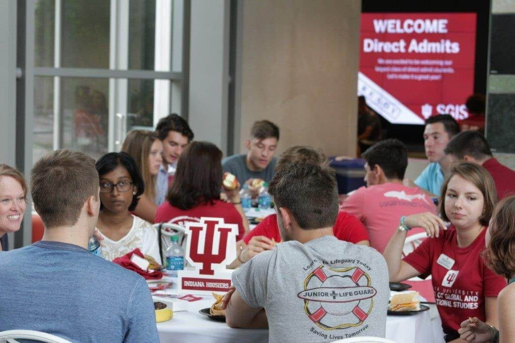 Direct Admit students have lunch during their welcome day