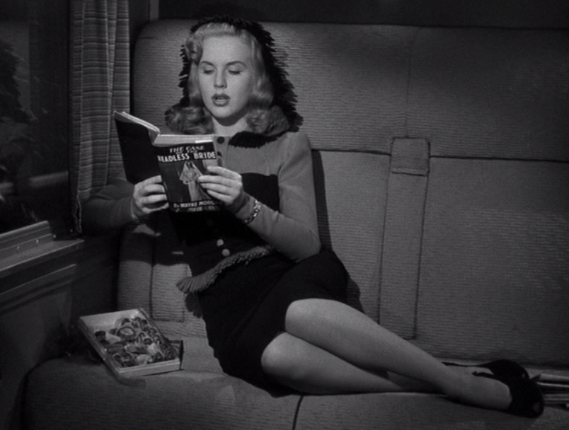 Deanna Durbin in Lady on a Train