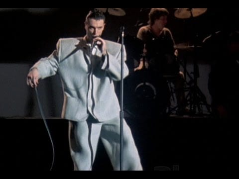 David Byrne wears a big suit in Stop Making Sense (1984)