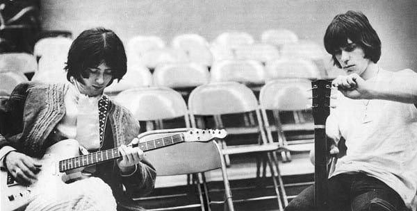 Jimmy Page (left) and Jeff Beck (right) tuning up before a Yardbirds gig