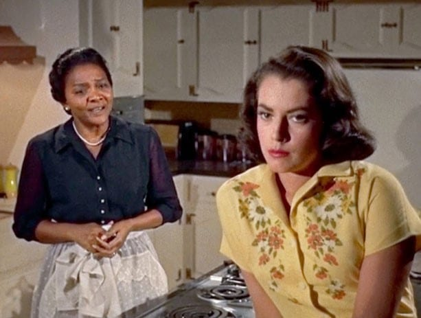 Annie Johnson (Juanita Moore) and Sarah Jane (Susan Kohner) in Imitation of Life