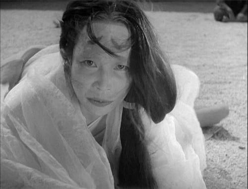 Miko, The Medium (Noriko Honm) in Rashōmon (1950)
