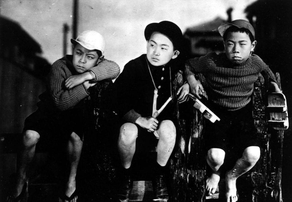 The children of the film, portrayed by Hideo Sugawara and Tomio Aoki.