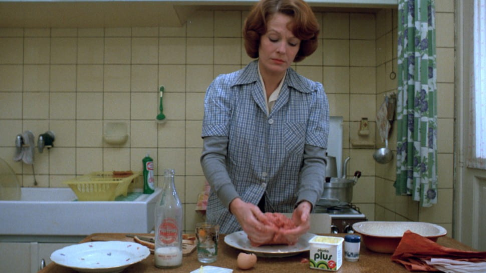 Delphine Seyrig plays the title role in Jeanne Dielman (1975)