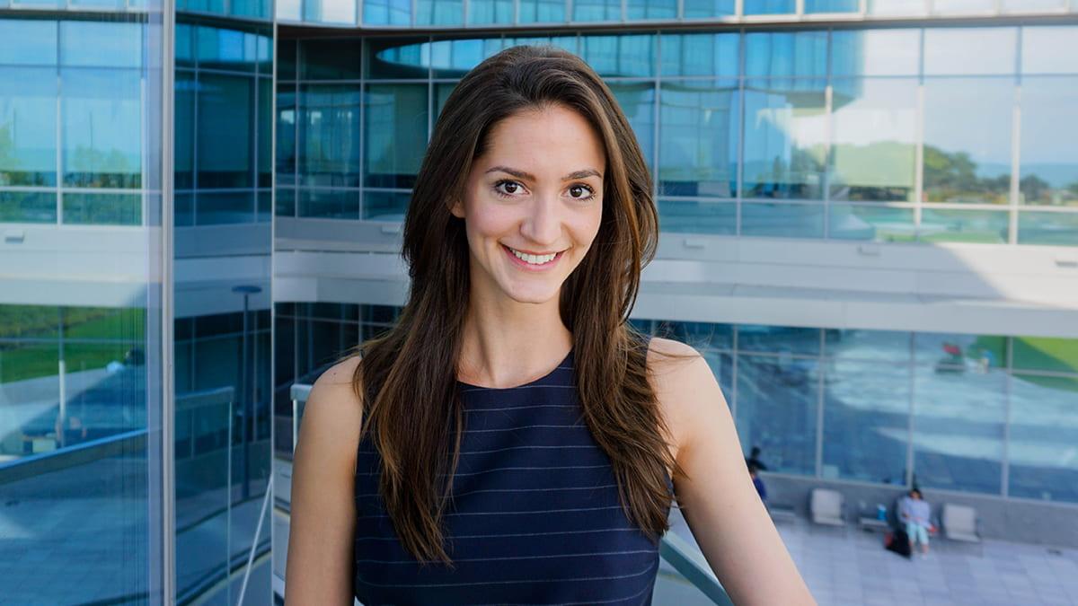 Lauren-brown-at-kellogg-global-hub