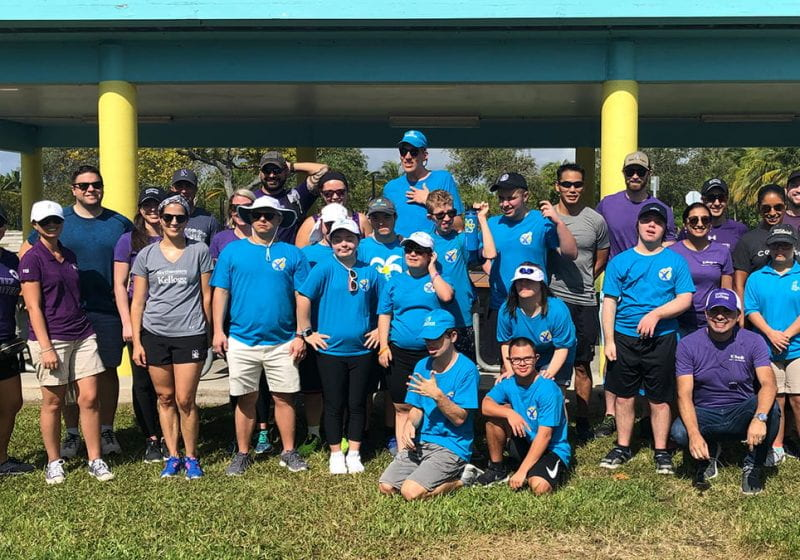 Kellogg Miami EMBA Cohorts and Staff Join Forces with The Miami Learning Experience School to Help Protect Florida's Ocean Life.
