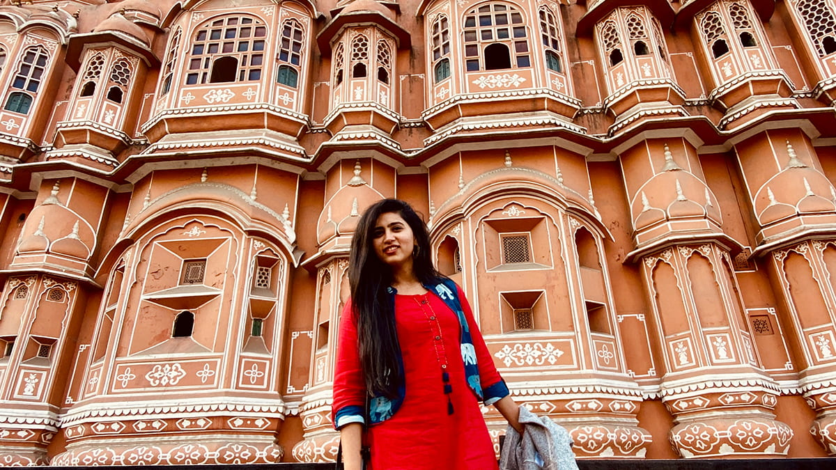 Suhani Chhaparwal (2Y 2020) and fellow trek leaders organize the first student-led trek to India at Kellogg.