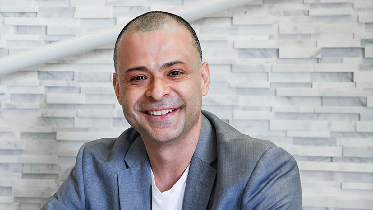 Andres Idarraga, co-founder of Creci, focuses on social impact investing.