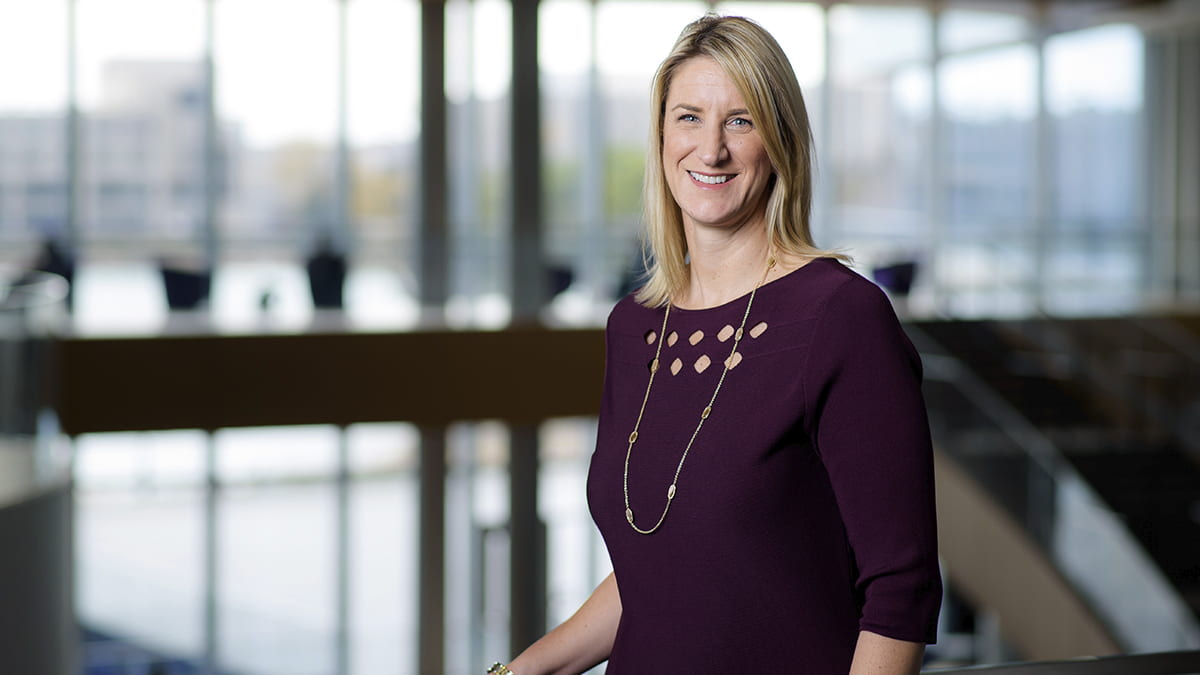 Kate Smith '98, assistant dean of admissions and financial aid, shares tips, important deadlines and changes to the Full-Time MBA application this year.