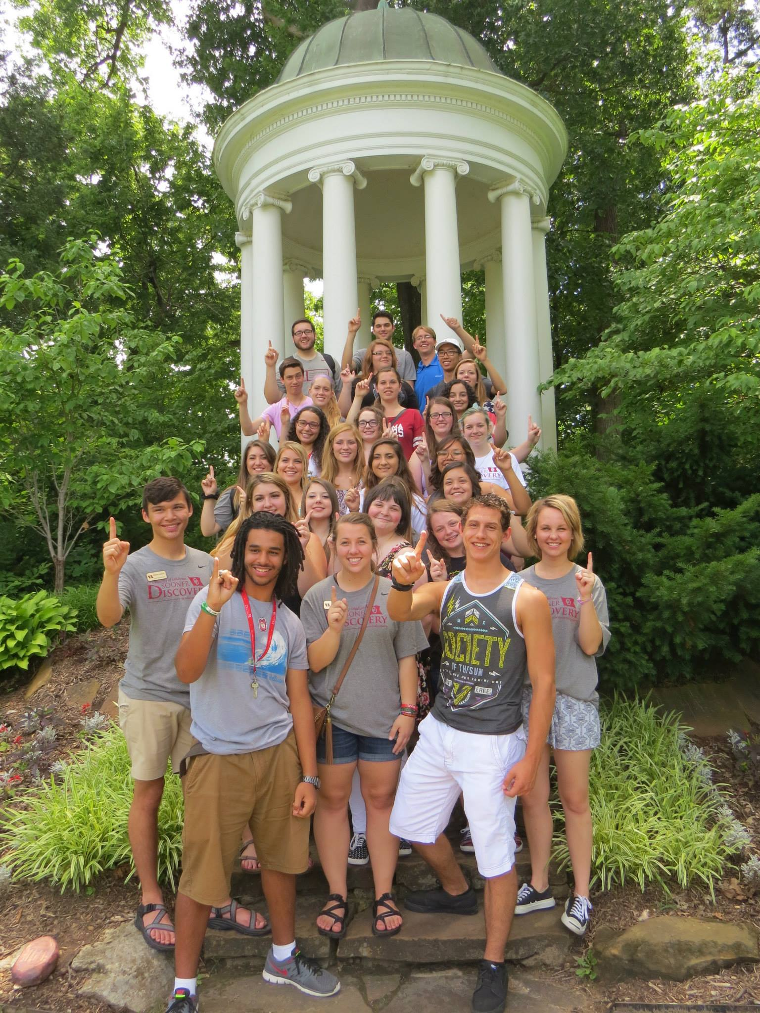 Students at the Tulsa Philbrook Museum on the Tulsa Weekend Trip