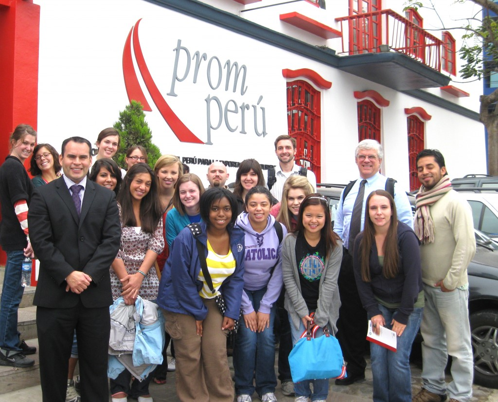 PromPeru educuates citizens on importance of exporting and prepares them to be ready when they want to export their products. This commission also promotes tourism with Peru.