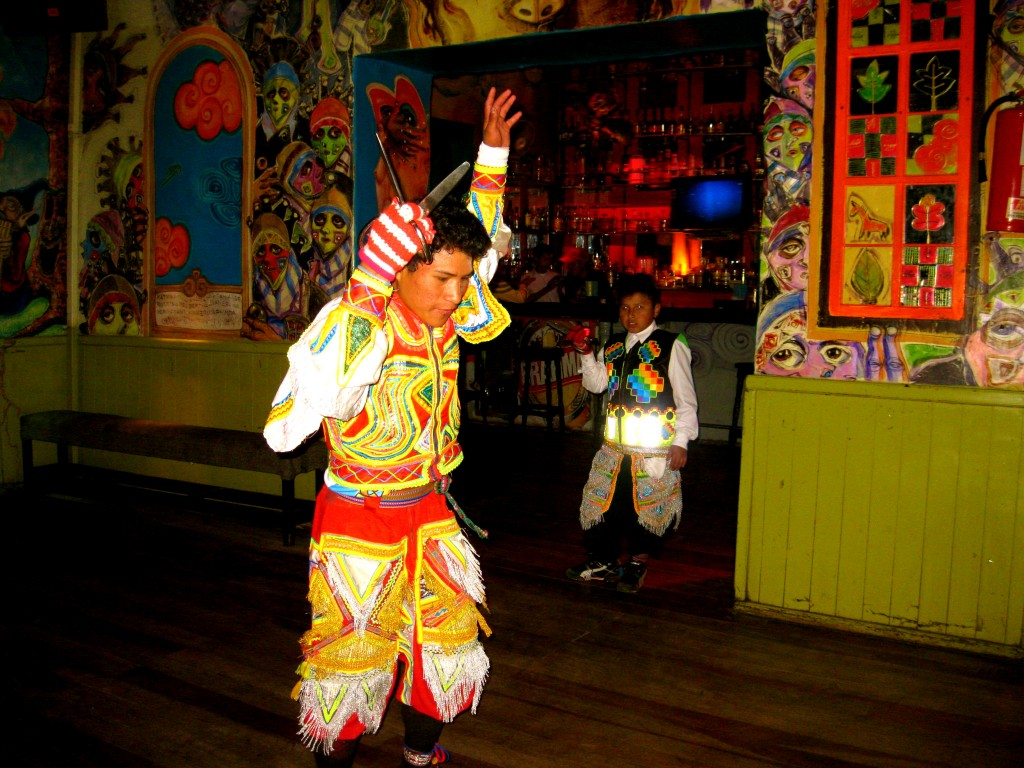 The girls and I went out with our Peruvian friends, Saúl and his brother to a show at Ukuku's Cultural Pub. We watched two boys perform an indigenous dance involving scissors and bright costumes and listened to a Peruvian band.