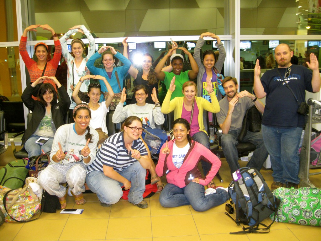 Our layover for the Houston flight in the Lima airport felt surprisingly quick. Here we are taking a last group picture.