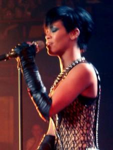 Rihanna-brisbane-cropped