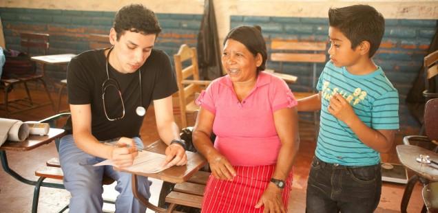 Volunteer Spotlight: Cesar Ballesteros '18