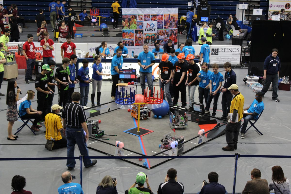 Robots fight it out for top spot in FTC competition