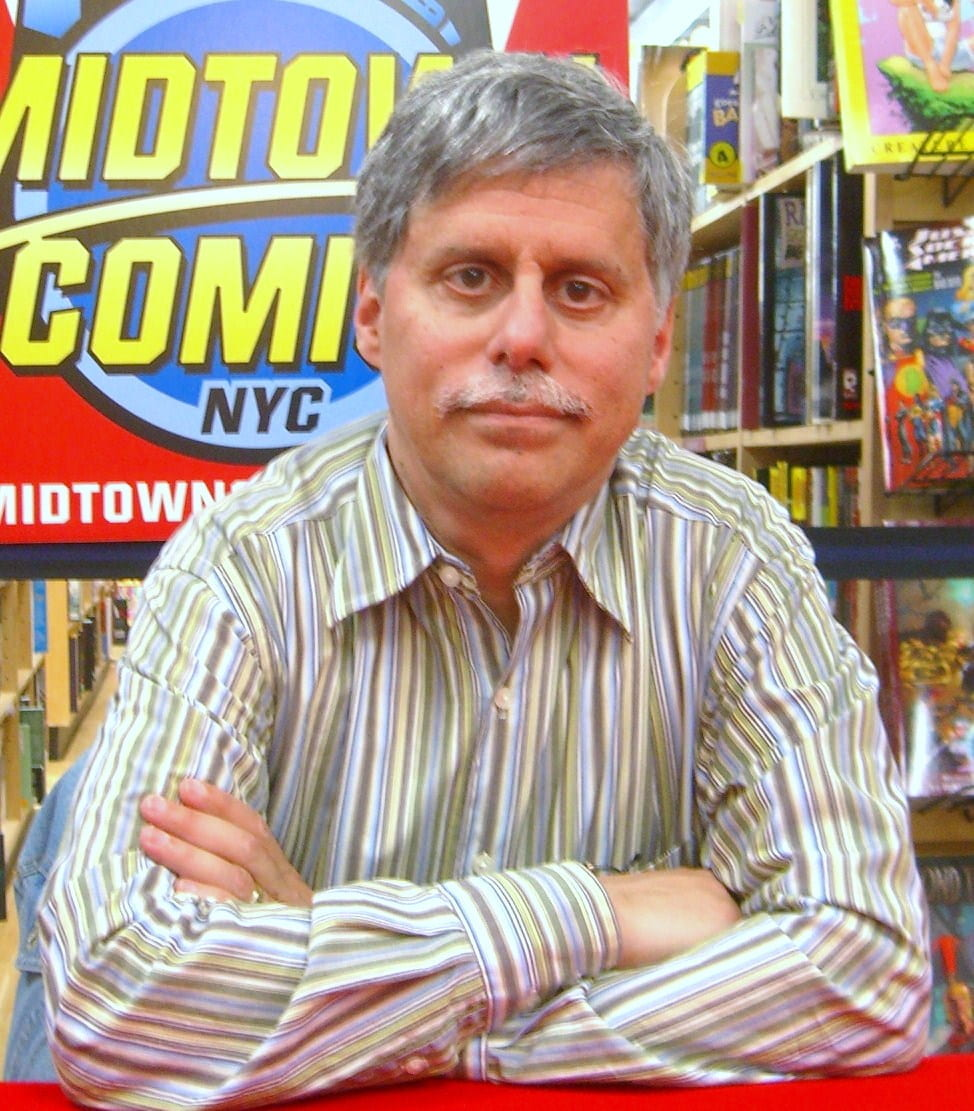 Paul Levitz Awarded at Comic Con