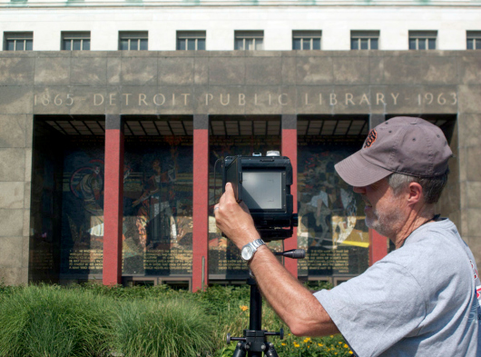 Robert Dawson photographing the Main Library, Detroit, Mich. (Courtesy of Dawson)