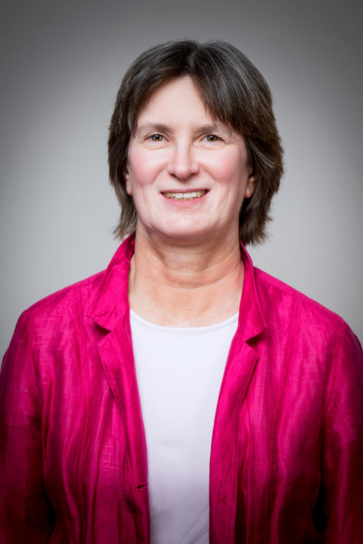 Annette Nellen Portrait