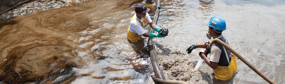 Workers in groundwater