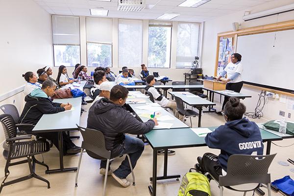 Photo: David Schmitz Students listen to SJSU alumni and community members about their journey through higher education.