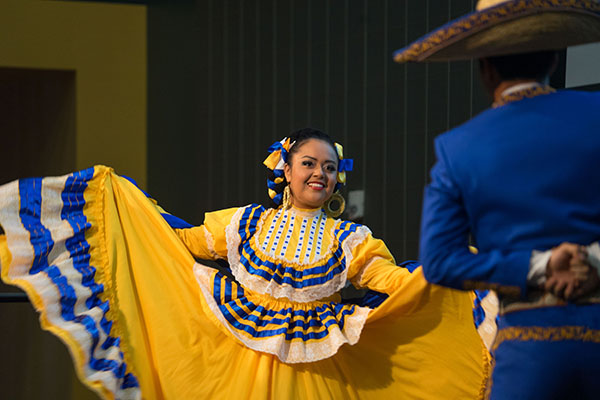 Grupo Folklorico Luna y Sol de San Jose State provided entertainment at the breakfast. (Photo: James Tensuan, '15 Journalism)