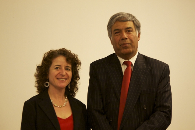 photo of Susan Santone and incoming SJSU President Mohammad Qayoumi