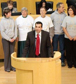 Councilmember Sam Liccardo addresses meeting.