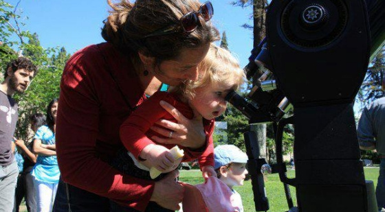 Six Hundred People View Transit of Venus From Tower Lawn