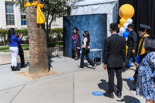 Spring graduation in-person photo experience 2021