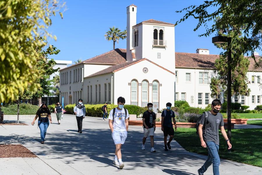 Students walking between classes on the SJSU campus.