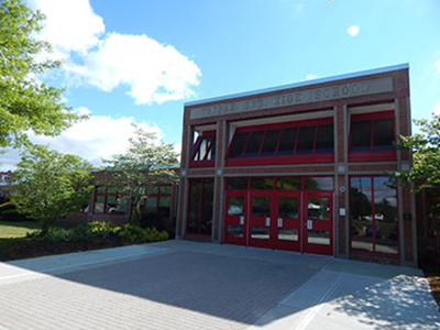 Facade of Tappan Zee High School