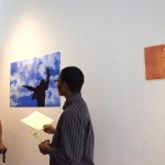 Quanye discusses his photograph of Suamy jumping.