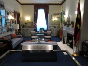 The way the office of Edward M Kennedy looks like.