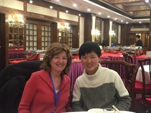 Professor Jan Mutchler with student Yu Mengting of Renmin University.