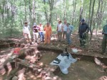 Steve Mrozowski discussing the excavations.