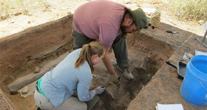 Students excavating in New Mexico in 2015.