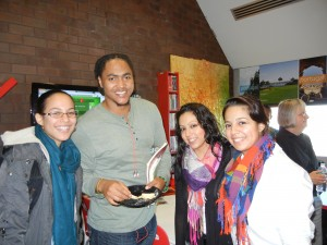 Tutors enjoying the Portuguese Resource Center