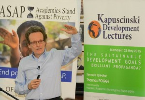 Prof. Pogge giving keynote speech, Kapuscinski Development Lectures, Bucharest, May 25, 2015