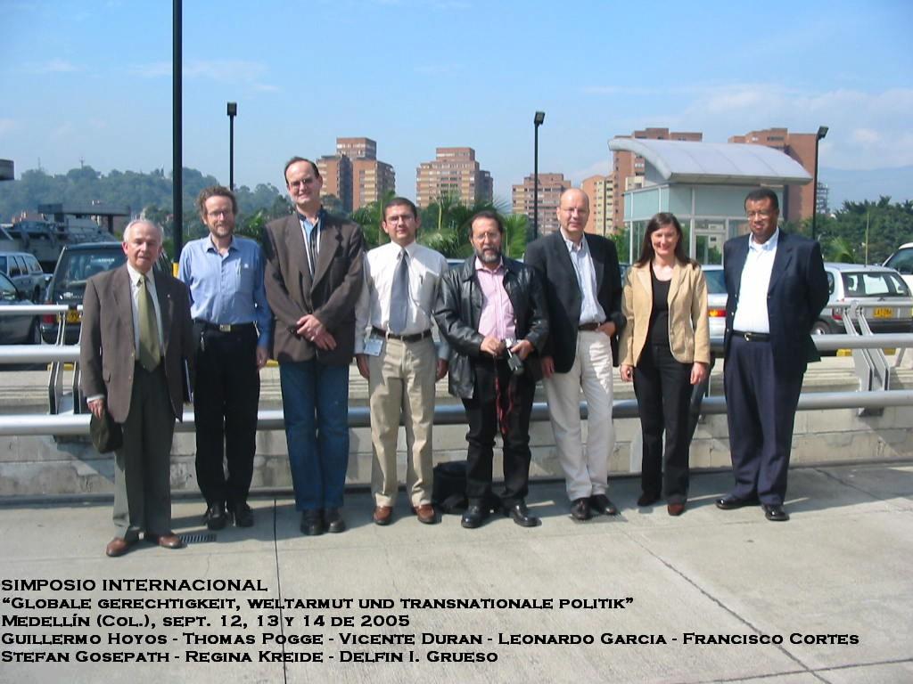 Foto de grupo: Simposio Internacional, Medellín, Colombia, Sept. 12-14 de 2005
