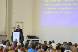 """Prof. Pogges Vortrag an der Kolleg-Forschergruppe """"Normenbegründung in Medizinethik und Biopolitik"""" Westfälische Wilhelms-Universität Münster, 20. April 2011."""
