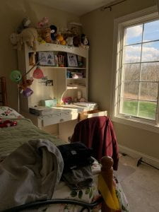 Image of a Yale student's COVID-19 isolation work space