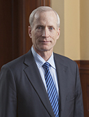 Yale School of Management Ted Snyder, Dean