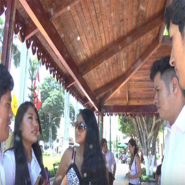 Fotograma del vídeo, muestra 5 personas hablando/Picture form the video, 5 people speaking