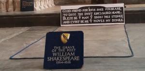 Shakespeares-grave_2