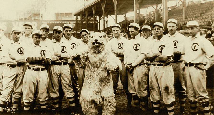 1908-chicago-cubs-wikimedia-george-r-lawrence-2