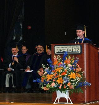 Raskin giving address at Convocation 2007