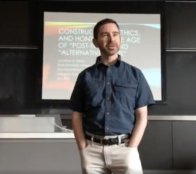 Jonathan Raskin lecturing in Montreal.