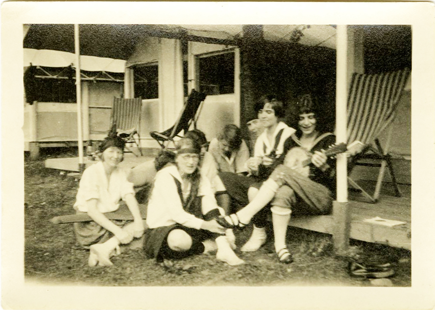 G.E. camp for female employees and family in Tongue Mountain on Lake George, circa 1920.