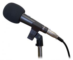 800px-Microphone_studio